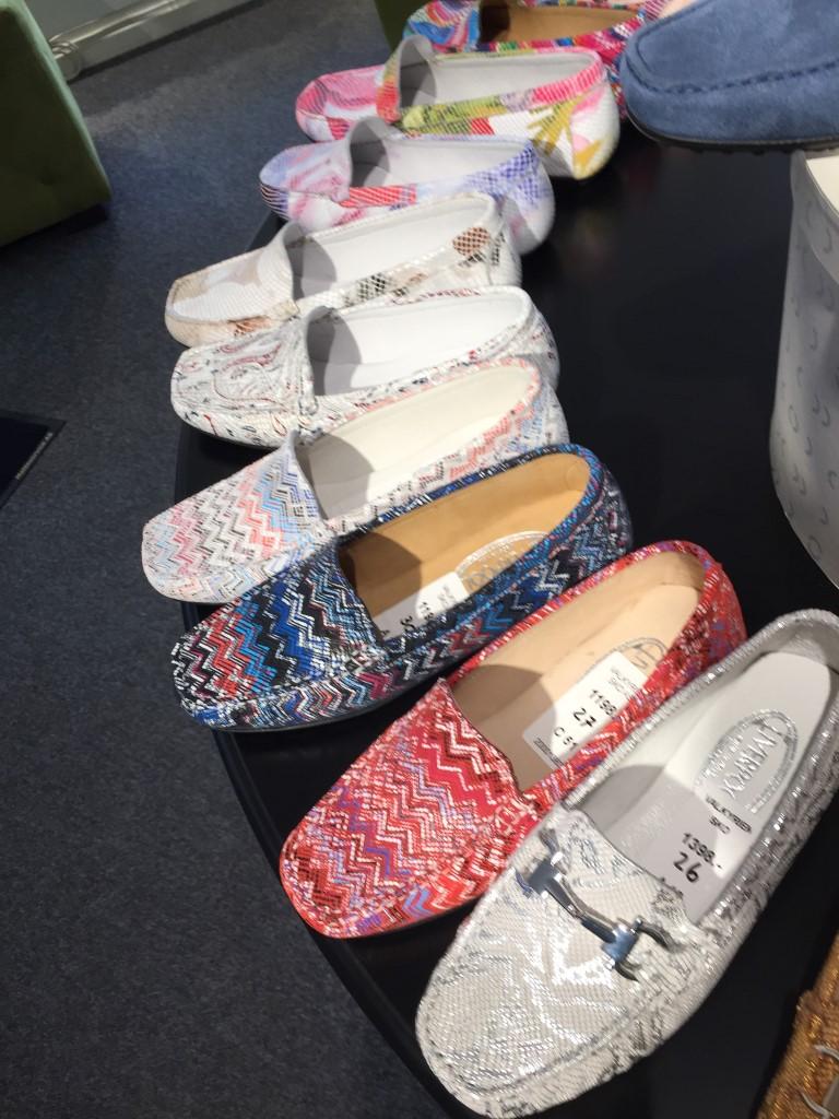 Fargerike sko hos Valkyrien Skomagasin AS på Majorstua. Sko